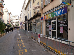 emtpy streets in cannes during the day